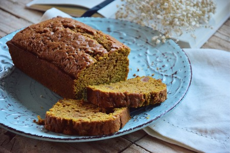 Sweet pumpkin bread that calls for Christmas